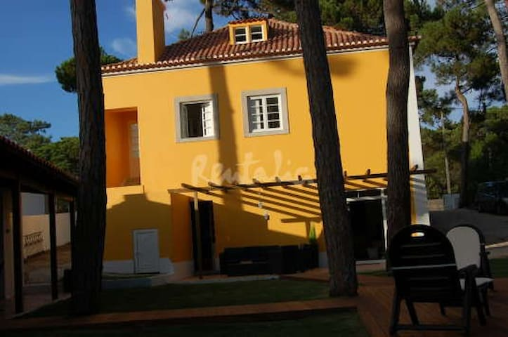 Yellow House-Relax for big families