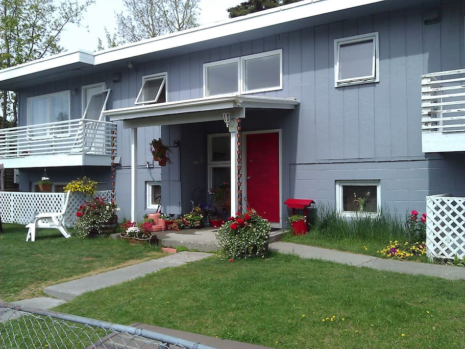 2 bedroom apartment in charming fourplex flats for rent in anchorage alaska united states