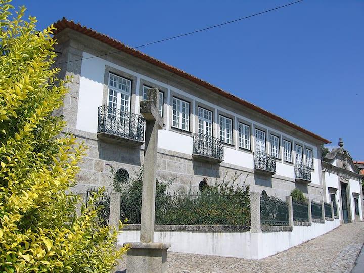 Villa with pool near Gerês