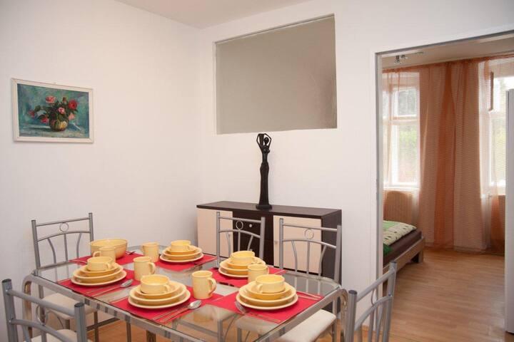PR2: 2-Schlafzimmer-Apartment mit extra Esszimmer