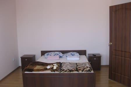 1-комнатная на Береговской 3а - Wohnung