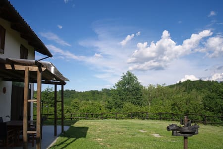 sighthound's farm B&B - Capriglio