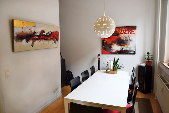 Cosy apartment in the city centre - Odense - Daire