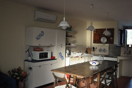 Fully equipped studio with garage - Pistoia - Bed & Breakfast