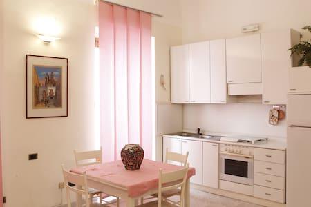 Appartamento centralissimo  - Vieste - Wohnung