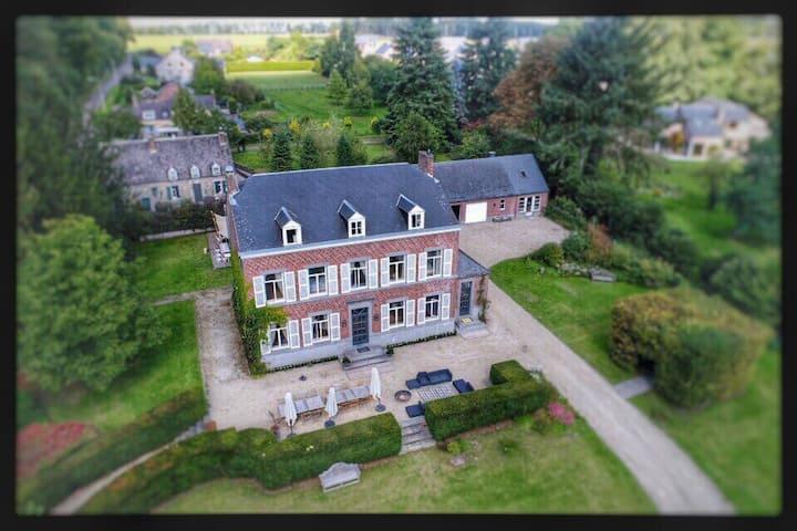 Magnifique maison dans un écrin de verdure 16-18p