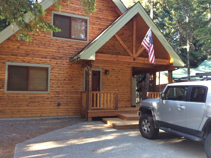 Beautiful cabin near Crystal!
