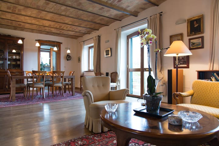 Splendid restored old house - Mosciano Sant'Angelo - Hus
