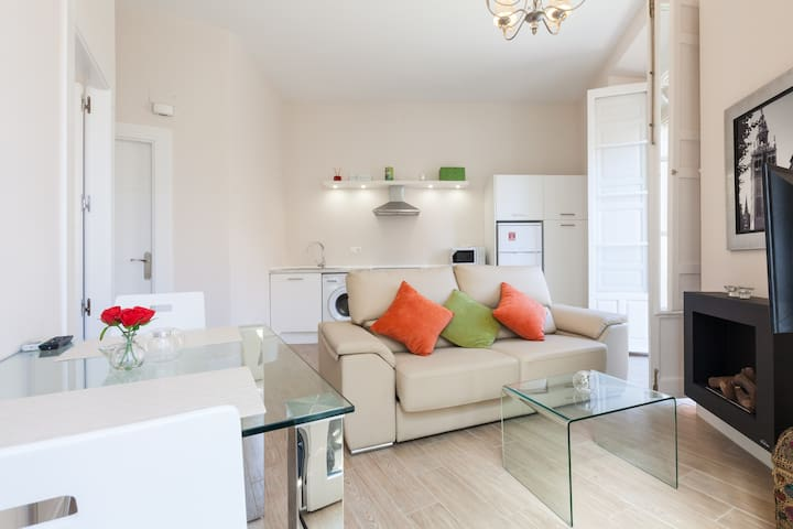 Charming and New Central Apartment