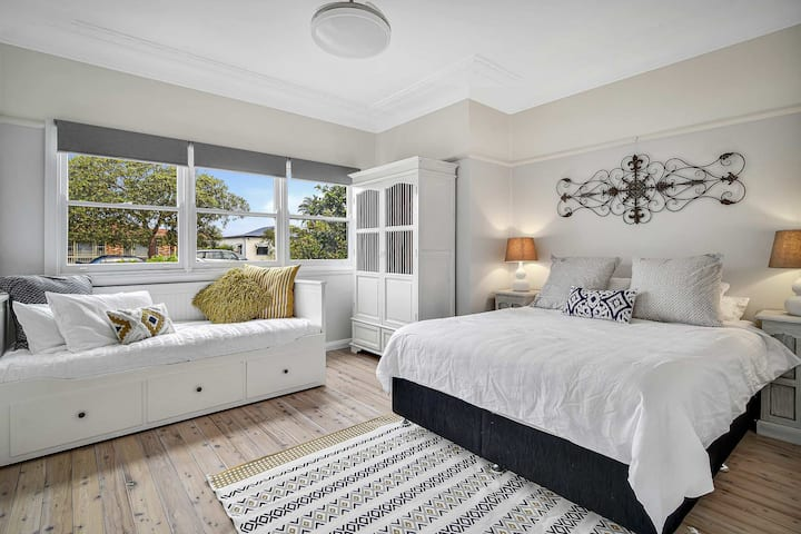 Umina Beach Bungalow - Wifi & all Linen included