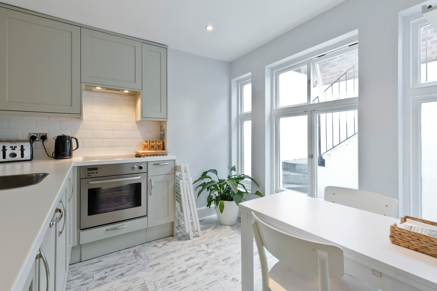 Lovely one bed in leafy Chiswick... - Apartments for Rent in London ...