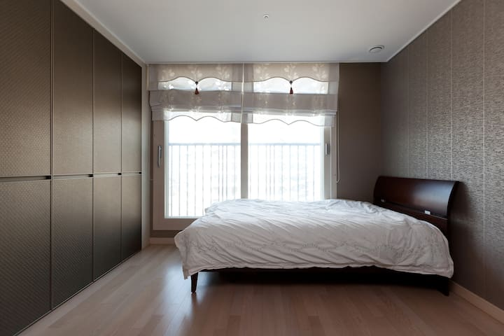 Youn's House(Suwon Station, Seryu Station)1 - Suwon - Apartment