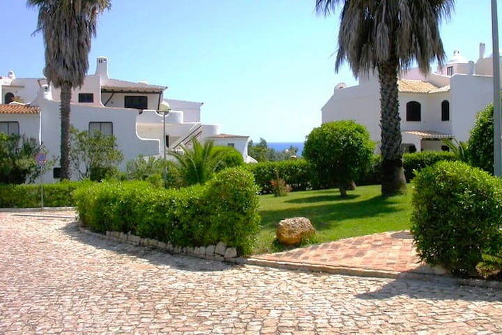 Sweet Cove Beach! Garden/Sea View/Dbl Bed/PRIVACY - Alporchinhos - Lagoa - Appartement