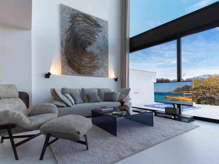 Modern and luxurious house in Buger with pool, jacuzzi and panoramic views