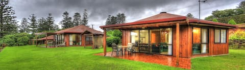 Whispering Pines - 2 Bedroom Cottage