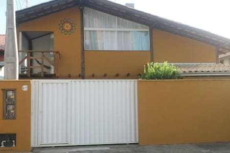 Linda casa de praia 5km Beto Carrero - Gravatá.