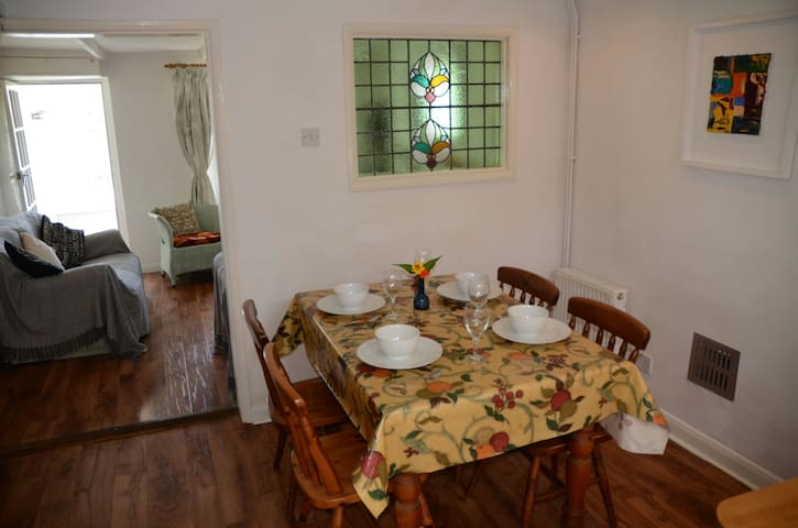 Open plan dining room adjoining the kitchen