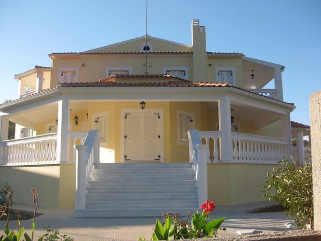 The Bennett Estate - Sidari - Apartament