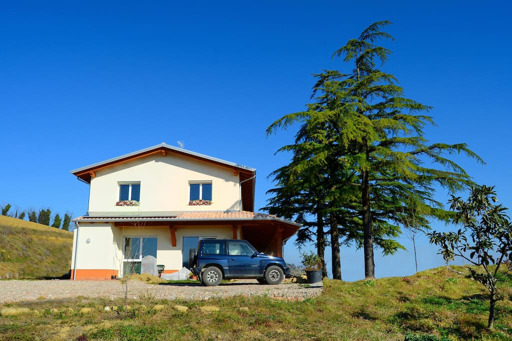 Vista dell'abitazione in bioedilizia attenta ai requisiti ecologici