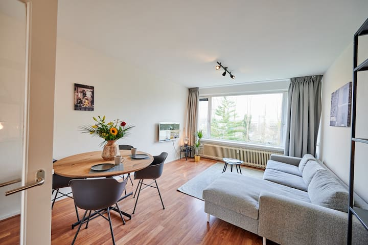 3-bedroom apartment - Van der Helmstraat 259