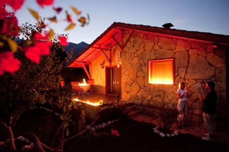 Camyuva, Kemer. Beautiful bungalow. Great hosts.