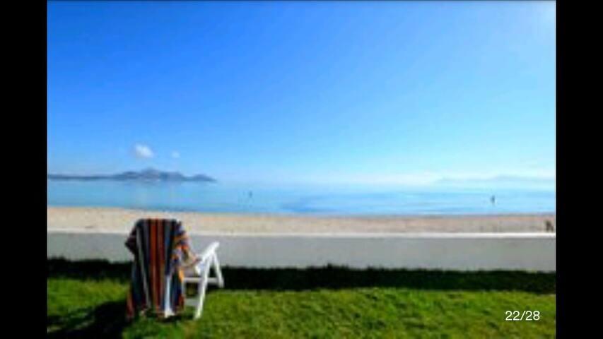 FRENTE AL MAR. In front of the sea. - platja de Muro