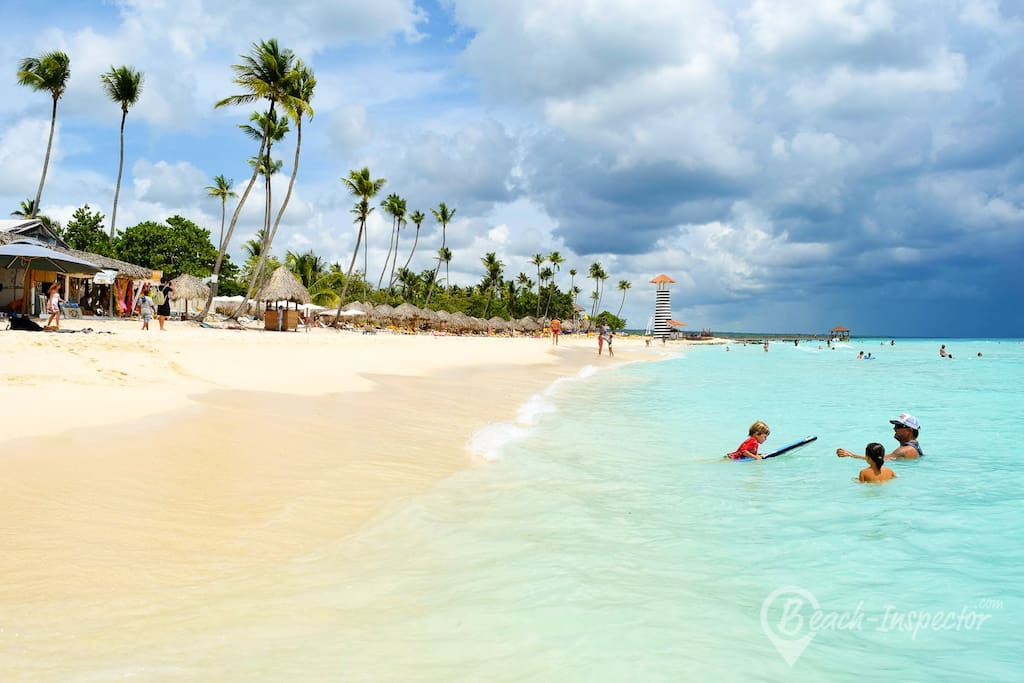 Dominicus Beach; 5 minutes walking from the house