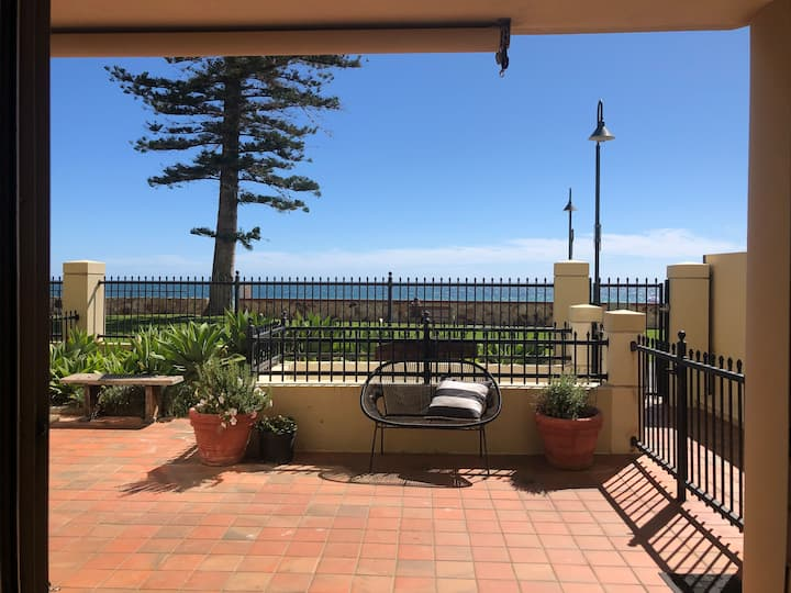 Beachfront Glenelg apartment. Perfect location