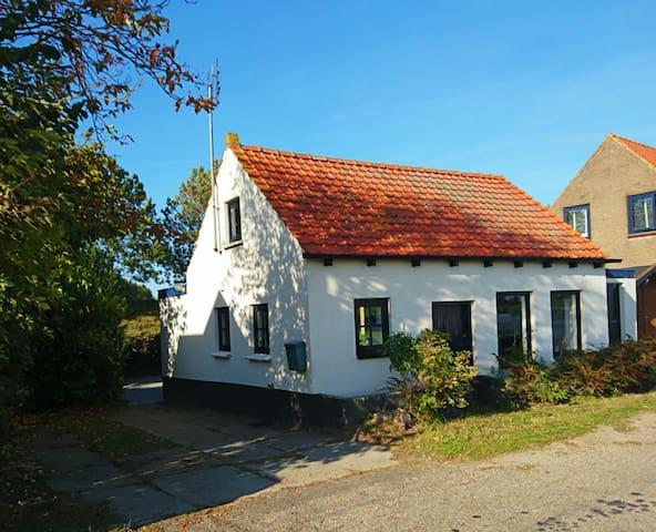 Charmant vakantiehuis, landelijk gelegen.