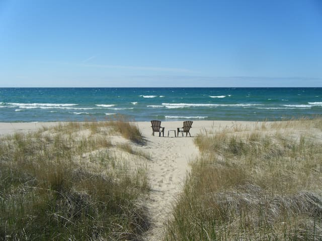 2 Bedroom Lake Michigan Cottage Private Beach