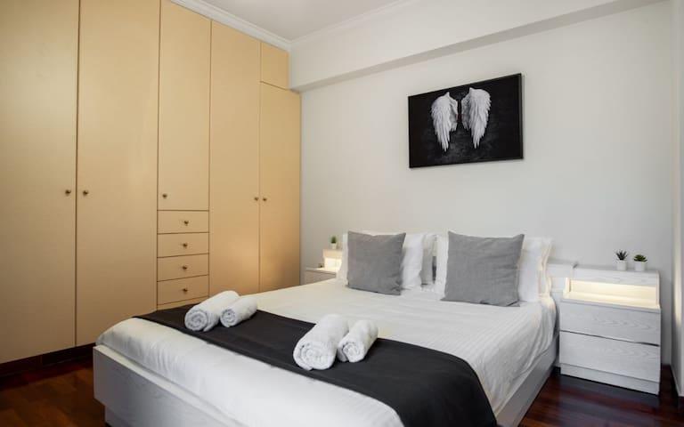 Queen Size Double Bedroom Two, 200 cm x 180 cm