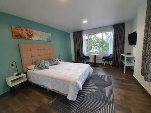 Nice room in South Valley