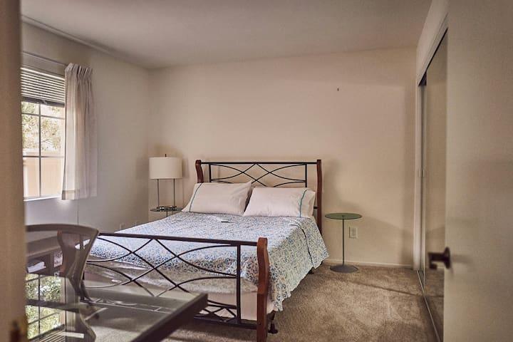 Cozy 1 Bedroom 1 Bath Apartment