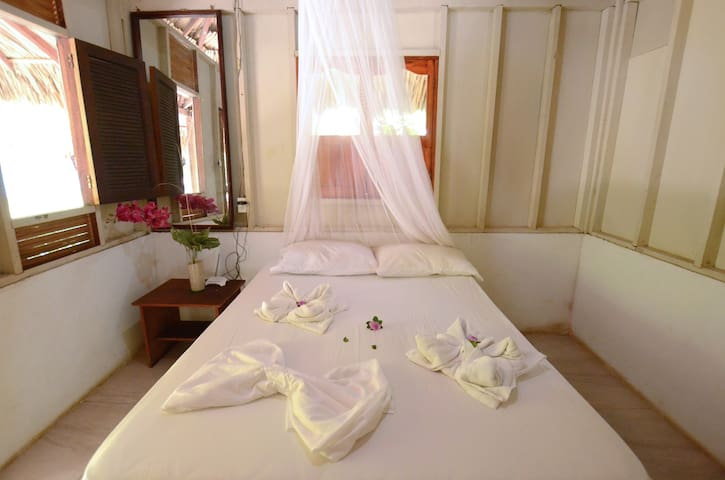 Guests can expect linens, pillows, bug nets, towels, and soap.