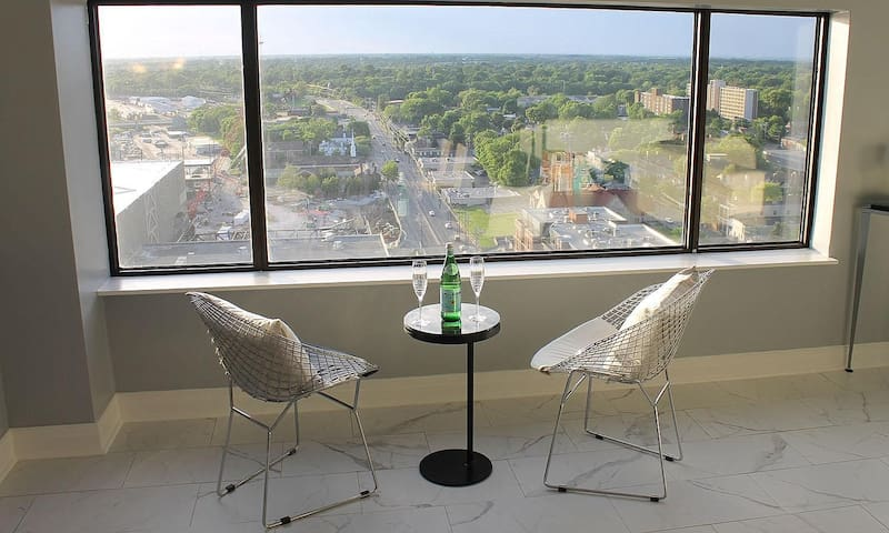 Amazing Luxury Penthouse - Downtown Lexington, KY