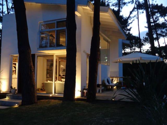 Beautiful house in Montoya, La Barra.