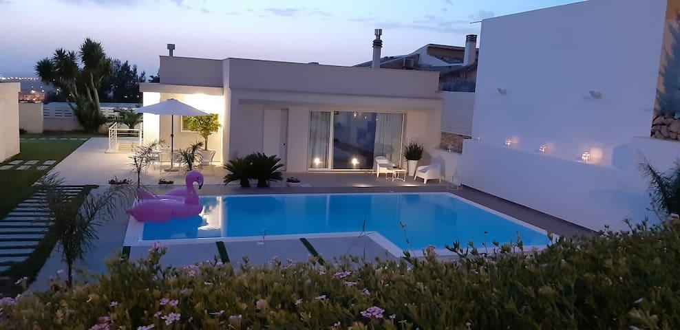 """""""A Canicarao"""": elegante monolocale con piscina."""