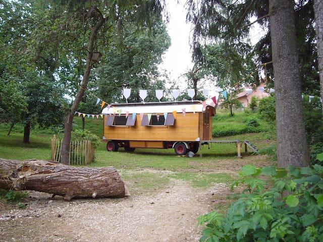 Zirkuswagen in Niederbayern