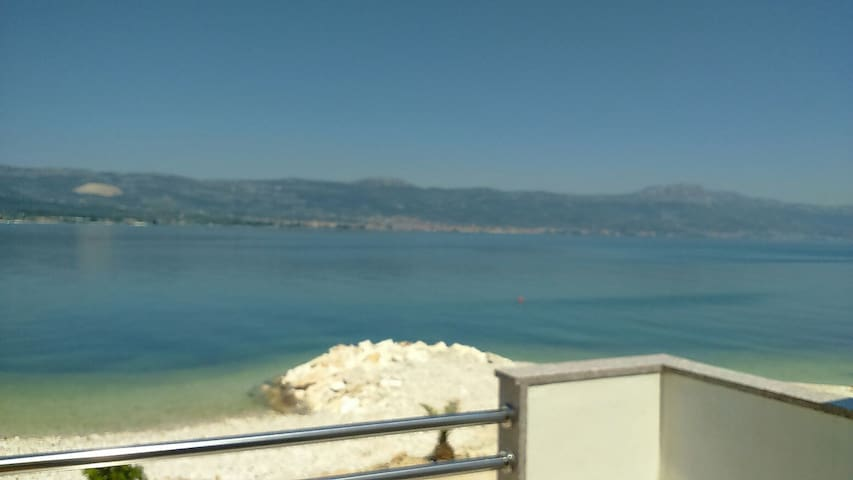 Apartman on the beach - Arbanija - Apartamento