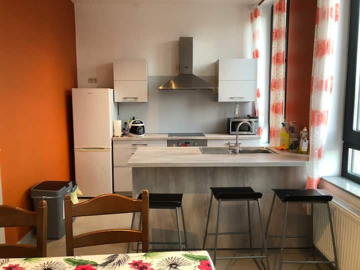 City center: Nice room in a flat with 2 students