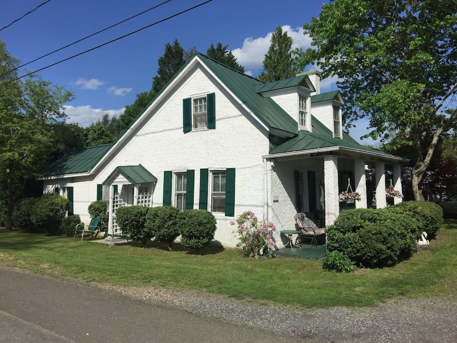 Rent Half Of Colonial House With Full Kitchen Houses