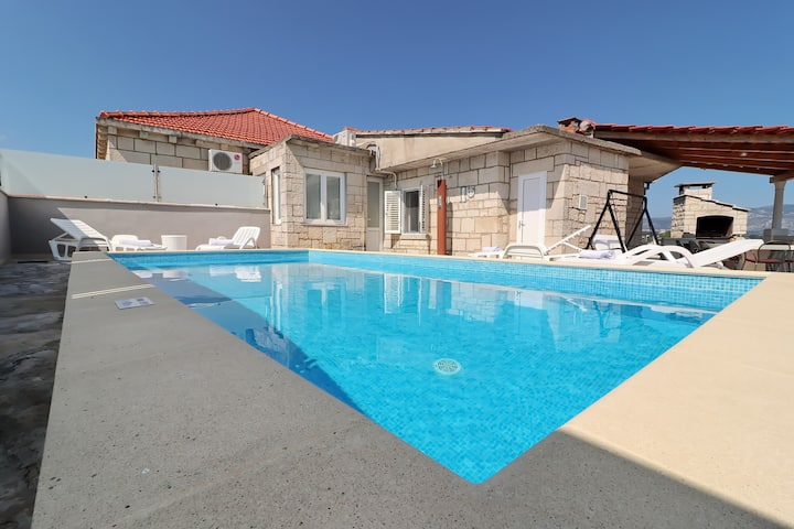 Villa Ivana-Three-Bedroom Villa with Private Pool