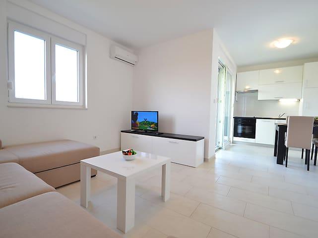 Apartments Juhart 1.4. - Nin - Leilighet