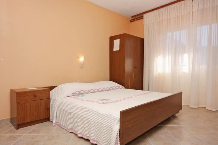 Studio flat with balcony Stari Grad, Hvar (AS-5730-a)