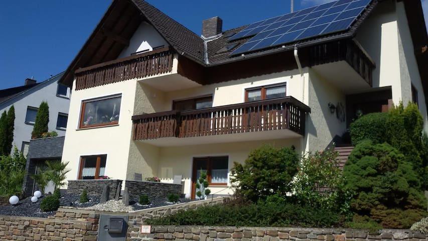 Moderne Ferienwohnung im ruhigen Diebachtal am Mittelrhein