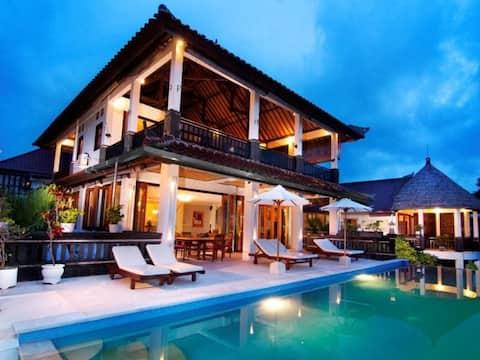 Private pool, sun deck and open air villa  https://youtu.be/HWpHk9ohMbc