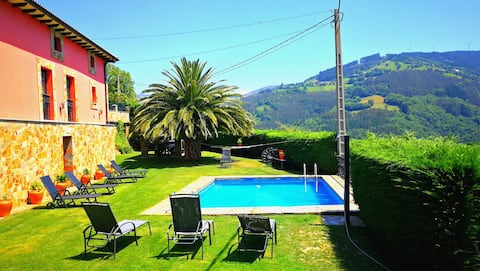 Bright Asturian house with a lovely pool & garden!