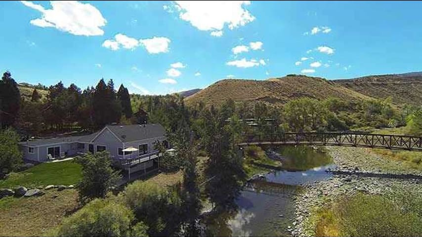 Beautiful Truckee Riverfront home - Reno - Ház