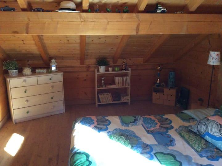 Belle chambre dans chalet bois !