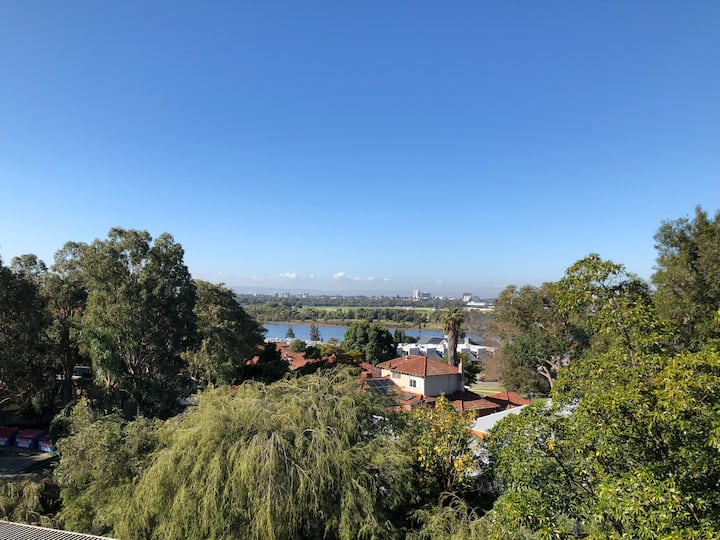 Great Location with Great views of the Swan River